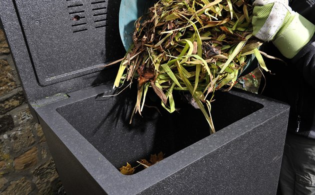 HOTBIN composting in Autumn