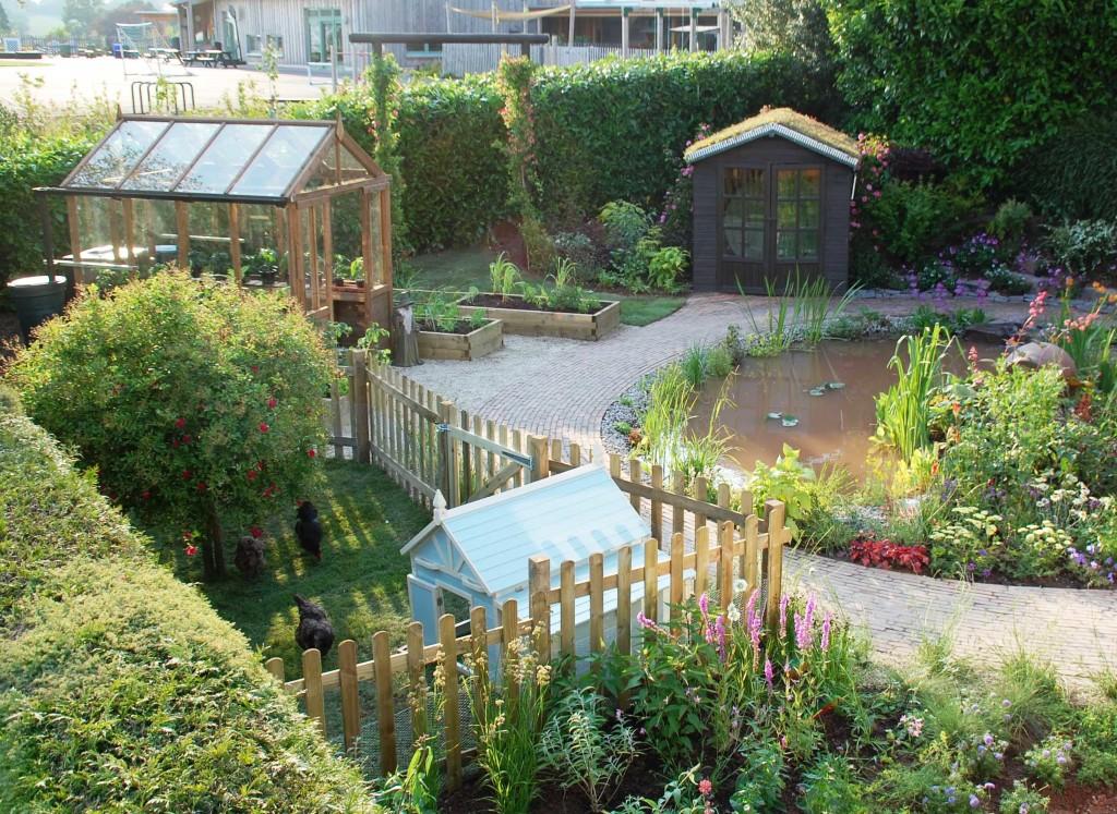 This love your garden has a HOTBIN